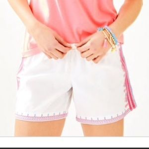 Lilly Pulitzer Katia Embroidered shorts large